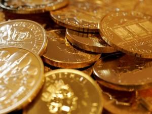 Giá vàng cao nhất 7 năm: Các nhà phân tích dự đoán có thể tăng lên 2.000 USD
