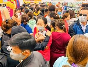 Khai trương siêu thị ở Quảng Ngãi: Sự phá hoại nỗ lực chống dịch rõ ràng?