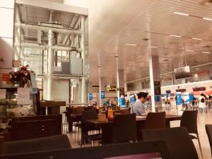 Không chỉ các hãng bay bị ảnh hưởng, nhiều cửa hàng miễn thuế tại sân bay 'vắng tanh'