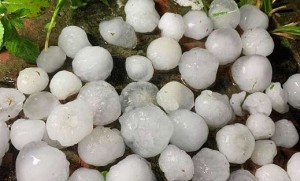 Mưa đá to như quả trứng xuất hiện ở vùng núi: Vì sao không thể dự báo được chi tiết?