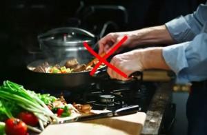 9 thói quen chế biến món ăn trở thành thảm họa nhưng các bà nội trợ vẫn cứ nghĩ là mình đang làm đúng