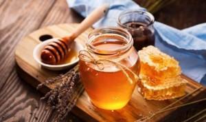 6 cách làm trắng da bằng mật ong giúp chị em không sợ đen da khi nắng hè đến