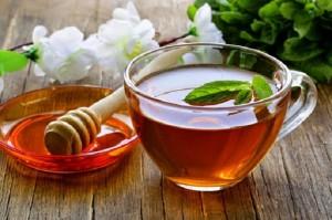 Công dụng của nước trà xanh pha mật ong đối với sức khỏe