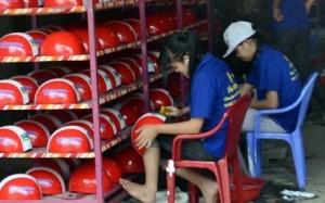 Thương lái Trung quốc gom mũ bảo hiểm: Doanh nghiệp Việt thận trọng với đơn hàng 'khủng'