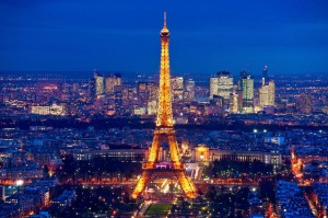 Tháp Eiffel nổi tiếng thế giới thì ai cũng biết nhưng trên đỉnh tòa tháp này còn ẩn chứa một bí mật bất ngờ và vô cùng đặc biệt