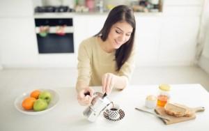 Uống cà phê giúp phụ nữ hạn chế tích tụ mỡ thừa, ngừa tăng cân hiệu quả