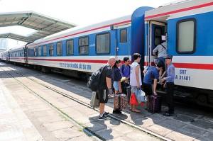 Đường sắt giảm giá vé tới 40% để hút khách dịp hè