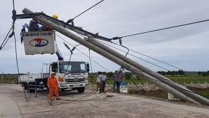 400 cột điện ở Huế bị gãy, đổ: Chỉ 30 cột dự ứng lực, hỏi trách nhiệm EVN Thừa Thiên Huế?