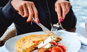 Đây là 6 loại rau, hạt chứa nhiều protein hơn cả thịt, bạn có thể tận dụng để vừa bồi bổ được cơ thể lại giảm cân hiệu quả