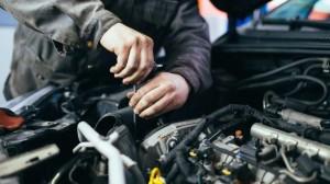 Khi chiếc ô tô đang dùng thuộc diện triệu hồi, chủ xe nên làm gì?