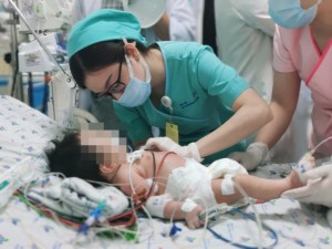 Từ vụ bé 2 tháng mắc hội chứng baby blue, cảnh báo cha mẹ thận trọng khi bồi bổ bằng củ dền