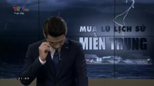 BTV của VTV nén khóc khi đang dẫn sóng trực tiếp về bão lũ miền Trung