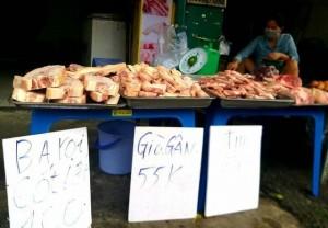Thịt heo đông lạnh giá 'siêu rẻ' xuống đường