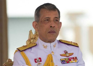 Vì sao Vua Thái Lan cùng thê thiếp sống lâu dài ở Đức mà vắng mặt tại quê nhà?