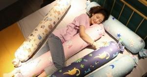 Kẹp gối giữa hai chân rồi đi ngủ, sáng dậy chị em chắc chắn hưởng được 5 lợi ích hiếm có, tốt tựa vị thuốc quý