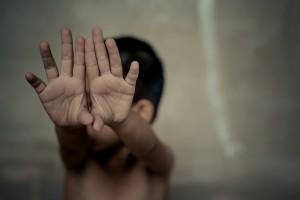 'Trẻ cần được dạy không cho người khác đụng chạm chỗ nhạy cảm'