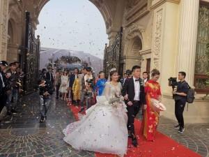 Gia thế cực khủng của cặp đôi cưới trong lâu đài dát vàng, riêng tiền cỗ hết 14 tỷ đồng
