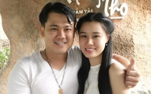 Bạn bè ở Mỹ tố vợ hai Vân Quang Long gọi điện