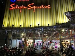 Công khai bán hàng giả, Saigon Square bị đề xuất đóng cửa