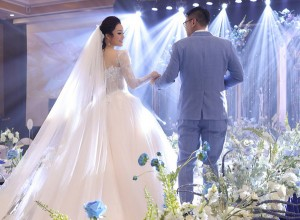 Ca sĩ Tân Nhàn ly hôn, bất ngờ lấy chồng viện trưởng