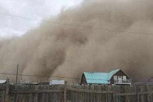 Bắc Kinh chìm trong bão cát lớn nhất thập kỷ, 6 người chết và hơn 80 người mất tích ở Mông Cổ