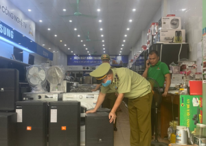 Bày bán loa giả mạo nhãn hiệu bị tịch thu