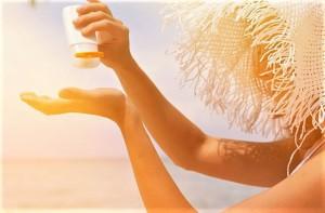 Chuyên gia khuyến cáo kem chống nắng chẳng thể thiếu trong ngày hè nhưng quên những điều này da dễ sạm nám
