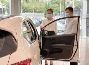 Lần đầu mua ô tô: Tôi sai lầm khi ham ngay xe mới