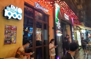 Lịch trình phức tạp của cô gái ở Hà Nội vừa phát hiện dương tính, đi khắp nơi trong phố cổ