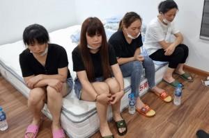 Nhóm người Trung Quốc cố thủ trong căn hộ, cảnh sát phá cửa bắt gọn