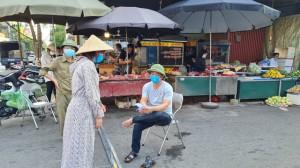 Về Bắc Ninh xem dân đi chợ bằng 'tem phiếu'