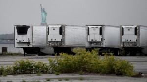 Vì sao Mỹ để hàng trăm th.i th.ể Covid-19 trong xe đông lạnh suốt cả năm?