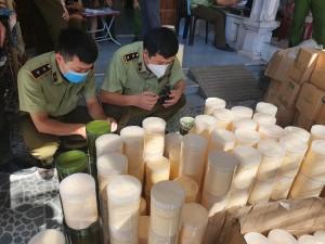 Phát hiện gần 1 tấn kem, hóa chất mỹ phẩm không rõ nguồn gốc xuất xứ