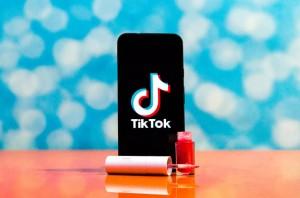 Cảnh báo son tự chế bán trên TikTok không an toàn, ảnh hưởng sức khỏe