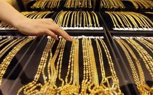 Giá vàng tăng từ đáy 4 năm, nhà đầu tư ồ ạt mua vào