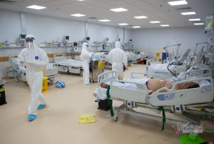 Bộ Y tế điều các bệnh viện hạng đặc biệt thiết lập khẩn 3 trung tâm ICU tại TP.HCM