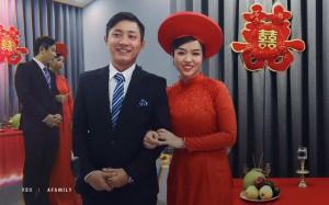 Lễ thành hôn đặc biệt giữa mùa dịch của cặp đôi Sài Gòn: 24 tiếng chuẩn bị lễ gia tiên online và 'sự cố' nho nhỏ khi bố mẹ chồng đang tham dự đám cưới!
