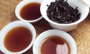 Đại dịch, người chật vật kiếm sống, người ngồi nhà pha trà đen quý hiếm, mỗi năm chỉ thu hoạch 1 lần, nhâm nhi thưởng thức