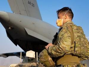 Taliban chiếm căn cứ lớn nhất Afghanistan, các nước khẩn trương di tản