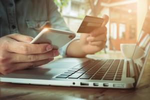 Mua hàng hóa online mùa dịch, cảnh giác những đơn hàng lạ