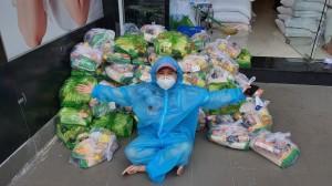 Giữa loạt ồn ào sao kê của showbiz, NS Việt Hương dù không kêu gọi từ thiện vẫn khiến dân tình nể phục vì hành động này