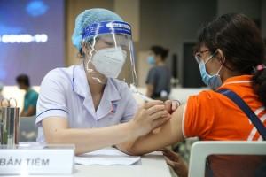 TP HCM: Ai chưa tiêm vắc-xin mũi 1 có thể đăng ký qua Tổng đài tin nhắn 8066