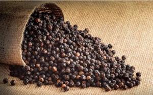 Trong khi nhiều loại hoa, trái cây lao đao vì dịch thì hạt tiêu bất ngờ liên tục tăng giá