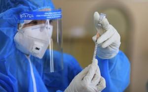 Dự kiến tiêm vaccine cho trẻ từ lứa tuổi cao xuống thấp