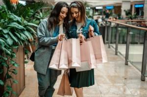Quần áo mới mua không giặt nguy cơ 'dính' hóa chất độc hại