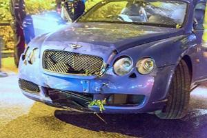 21 tuổi lái Lamborghini mạ vàng đâm nát Bentley Continental GT
