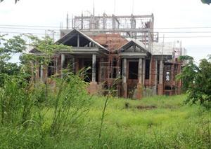 Đại gia nợ thuế gần chục tỷ đồng vẫn xây biệt thự lớn nhất vùng