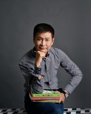 Lê Hoàng: 'Tết đầy những lời nói dối'