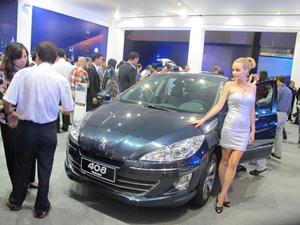 Bộ Tài chính đề xuất tăng mạnh thuế xe ô tô hạng sang