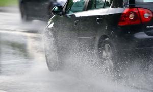 Những điều cần biết về bảo dưỡng ô tô, xe máy sau mưa bão